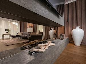 Eklektyczne wnętrze z łazienką w stylu glamour