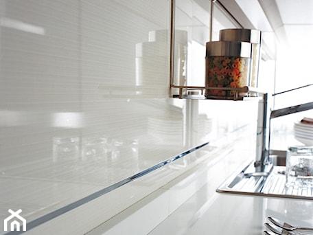 Aranżacje wnętrz - Kuchnia: VENIS Lina Extra Blanco 33,3x100 - GALERIE VENIS DESIGN STUDIO. Przeglądaj, dodawaj i zapisuj najlepsze zdjęcia, pomysły i inspiracje designerskie. W bazie mamy już prawie milion fotografii!