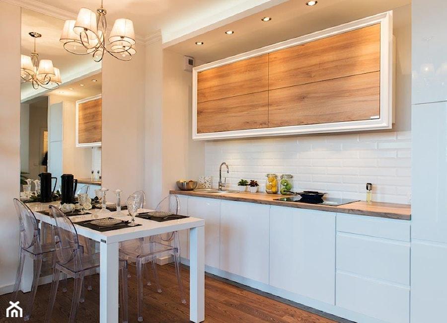 Mała kuchnia w aneksie  zdjęcie od GALERIE VENIS DESIGN   -> Mala Kuchnia W U
