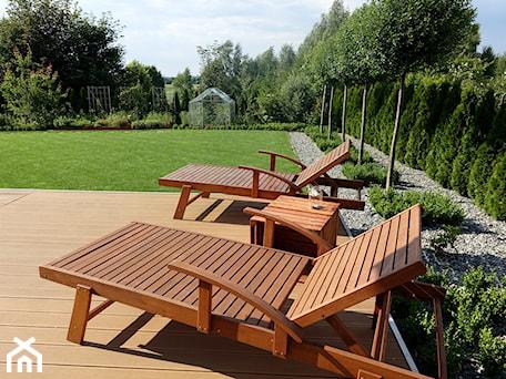 Aranżacje wnętrz - Ogród: na Słonecznej - Duży ogród za domem z ogródkiem warzywnym, styl nowoczesny - kamila_lbn. Przeglądaj, dodawaj i zapisuj najlepsze zdjęcia, pomysły i inspiracje designerskie. W bazie mamy już prawie milion fotografii!