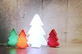 dekoracja świetlna w formie choinki