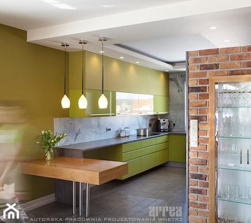 Dom w Raculi  Kuchnia, styl eklektyczny  zdjęcie od   -> Kuchnia Sufit Led