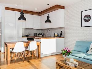 Warszawa, Wilanów - Średnia otwarta biała kuchnia w kształcie litery l w aneksie, styl skandynawski - zdjęcie od Kameleon - Kreatywne Studio Projektowania Wnętrz