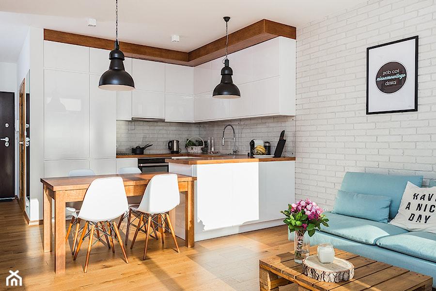 Warszawa wilan w rednia otwarta kuchnia w kszta cie for Cocinas para apartaestudios