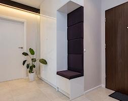 mieszkanie Warszawa, Gocław - Hol / przedpokój, styl nowoczesny - zdjęcie od Kameleon - Kreatywne Studio Projektowania Wnętrz - Homebook