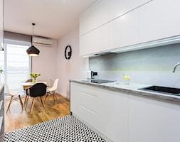 Mieszkanie Praga Południe - Mała otwarta szara kuchnia dwurzędowa w aneksie, styl nowoczesny - zdjęcie od Kameleon - Kreatywne Studio Projektowania Wnętrz - Homebook