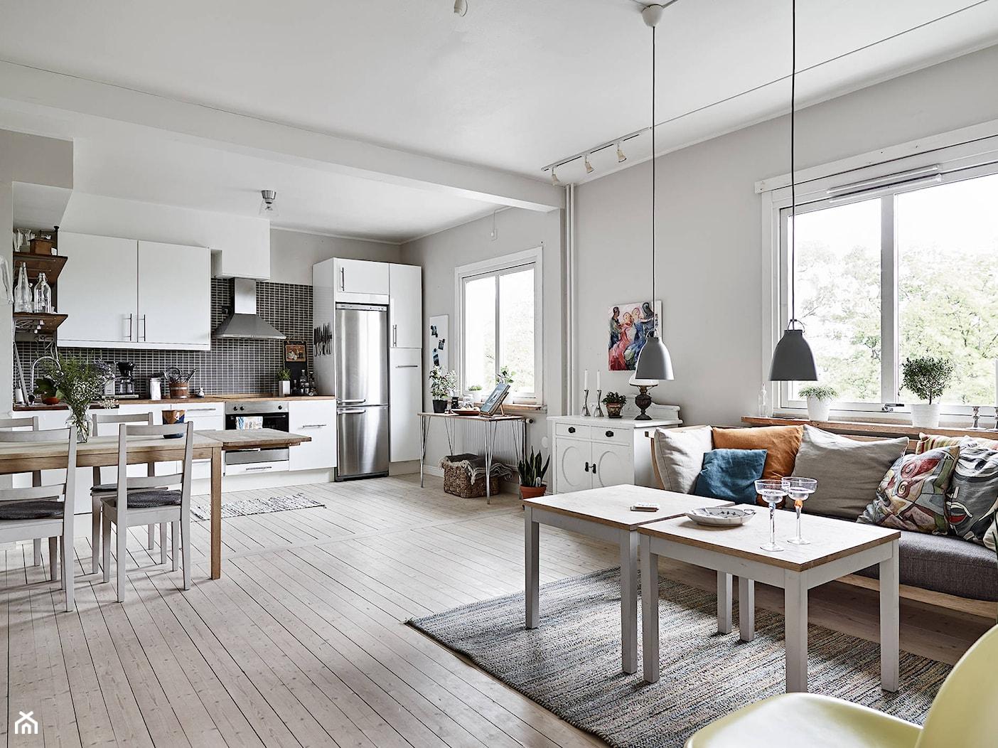 Skandynawskie inspiracje - Duży biały salon z kuchnią z jadalnią, styl skandynawski - zdjęcie od MartaWieclawDesign - Homebook