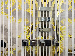 """APARTAMENT STYLOWY BIG - Kolorowa łazienka, styl eklektyczny - zdjęcie od MANGO STUDIO - projekty wnętrz & wykonawstwo """"POD KLUCZ"""" - ZASTĘPSTWO INWESTORSKIE - projekty wnętrz HoReCa - konsultacje"""