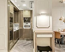 APARTAMENT STYLOWY BIG - Mała otwarta wąska kuchnia w kształcie litery u, styl klasyczny - zdjęcie od MANGO Studio Architektury Wnętrz i Ogrodów