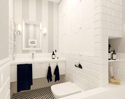 Kamienica na Mokotowie - Mała biała szara łazienka w bloku w domu jednorodzinnym bez okna, styl klasyczny - zdjęcie od HoH studio