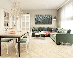 Piękna Praga - Średni szary biały salon z barkiem z jadalnią, styl klasyczny - zdjęcie od HoH studio - Homebook