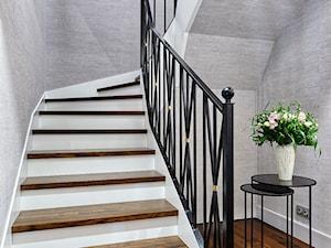 WILLA W RADZYMINIE - Schody, styl glamour - zdjęcie od ZEN Interiors