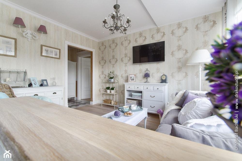 Ludwik w Skandynawii ;) - Średni beżowy salon, styl prowansalski - zdjęcie od DreamHouse - Homebook