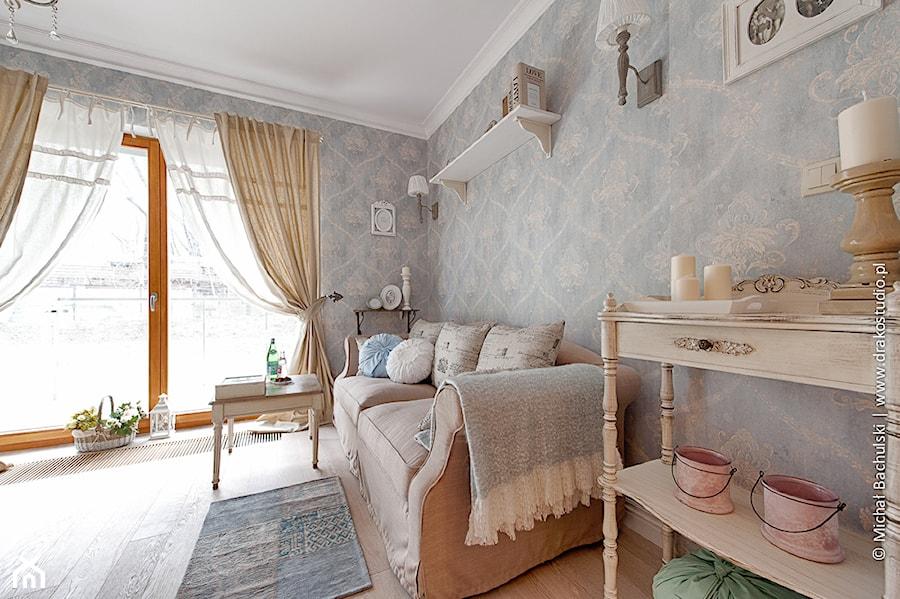 Francuski zakątek ;) - Średni szary salon, styl prowansalski - zdjęcie od DreamHouse