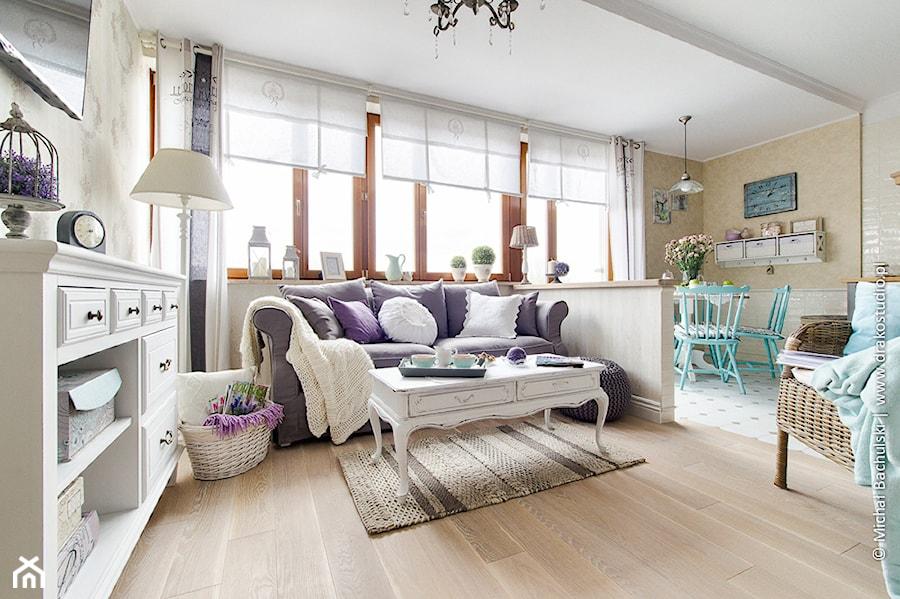 Ludwik w Skandynawii ;) - Średni biały beżowy salon z jadalnią, styl prowansalski - zdjęcie od DreamHouse