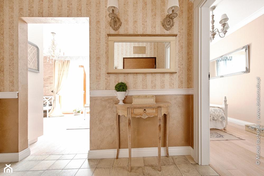 Francuski zakątek ;) - Hol / przedpokój, styl prowansalski - zdjęcie od DreamHouse - Homebook