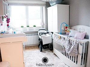 Pokoik Vanesski - Średni biały szary brązowy pokój dziecka dla chłopca dla dziewczynki dla niemowlaka, styl klasyczny - zdjęcie od EnDecoration