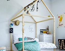 Done by deer - Średni beżowy pokój dziecka dla chłopca dla dziewczynki dla malucha, styl skandynawski - zdjęcie od Fabryka Form