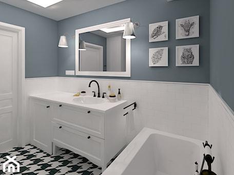 Aranżacje wnętrz - Łazienka: Mała łazienka w bieli i indygo - CHATANOWA. Przeglądaj, dodawaj i zapisuj najlepsze zdjęcia, pomysły i inspiracje designerskie. W bazie mamy już prawie milion fotografii!