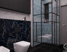 Dom jednorodzinny - Średnia czarna szara łazienka na poddaszu w bloku w domu jednorodzinnym bez okna, styl rustykalny - zdjęcie od Progetti Architektura