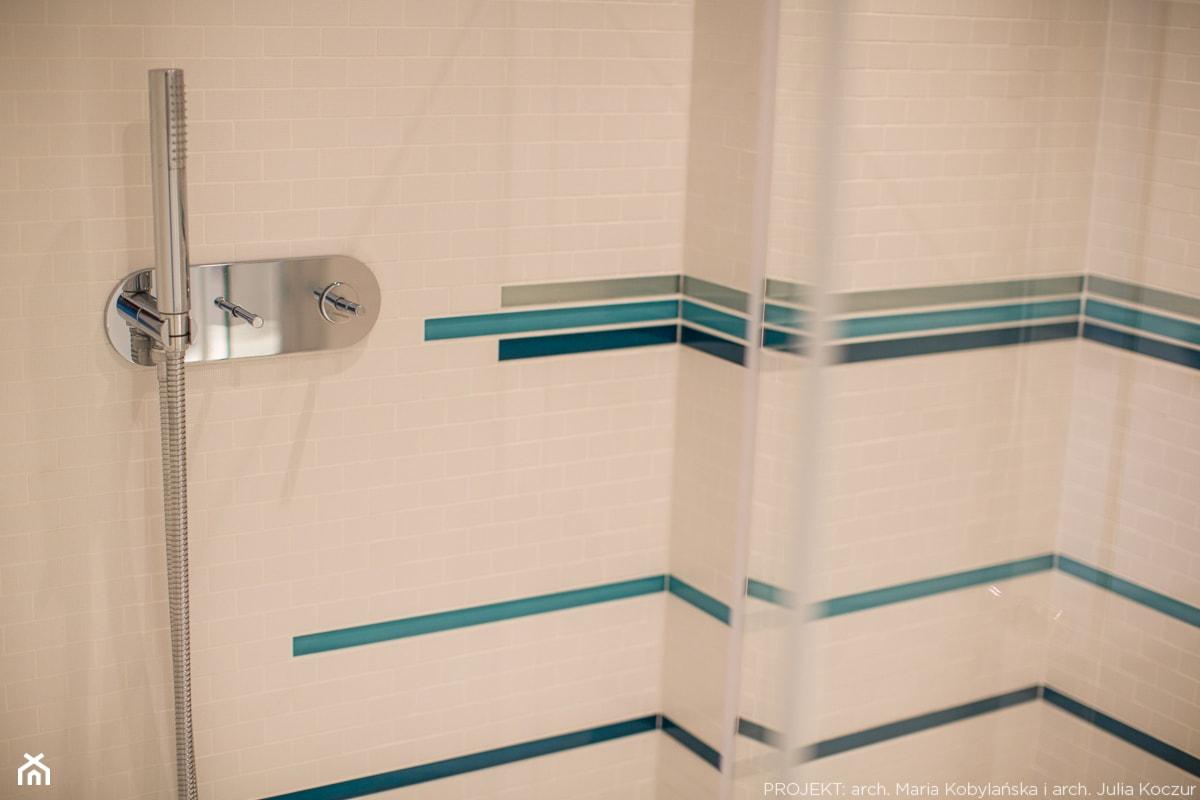 Apartament Angel Wings - Mała średnia łazienka, styl nowoczesny - zdjęcie od Pracownia architektoniczna meridian - Homebook