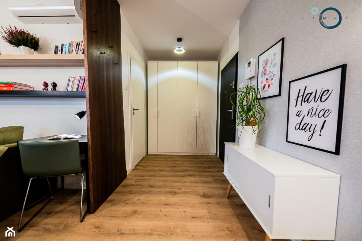CARDAMON - mieszkanie na wynajem - Hol / przedpokój - zdjęcie od Pracownia architektoniczna meridian - Homebook