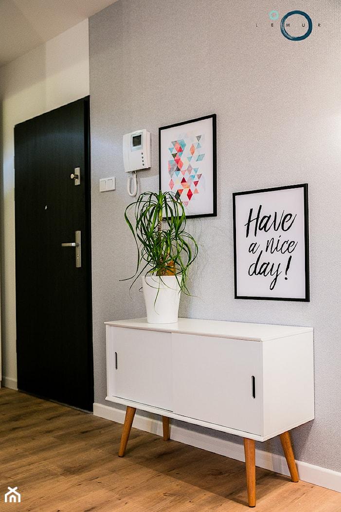 CARDAMON - mieszkanie na wynajem - Średni szary hol / przedpokój - zdjęcie od Pracownia architektoniczna meridian - Homebook