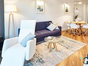 KONKURS Wnętrza Roku 2017 - Apartament Sky Tower 3 - Średni biały salon z jadalnią, styl nowoczesny - zdjęcie od Pracownia architektoniczna meridian
