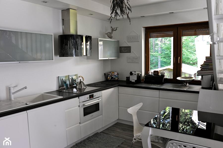 kuchnia lakierowana  zdjęcie od meble ant -> Kuchnia Lakierowana Fioletowa