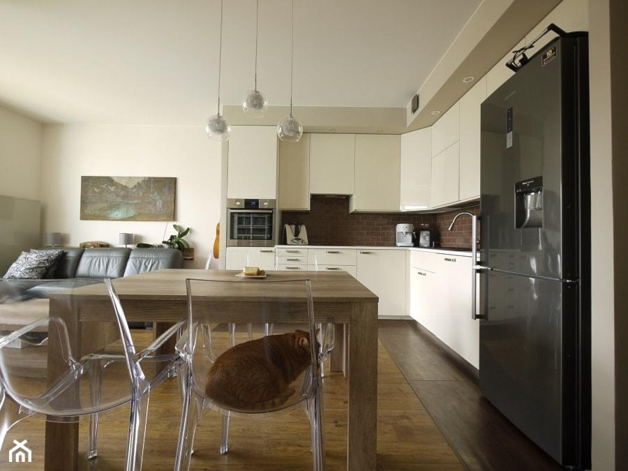 Jadalnia Pokój I Kuchnia W Jednym Zdjęcie Od Interio Desi