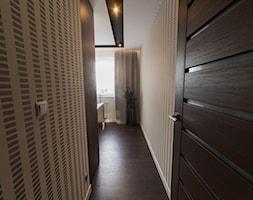 Mieszkanie w Swarzędzu - Małe beżowe biuro kącik do pracy, styl nowoczesny - zdjęcie od Vivere Colorito