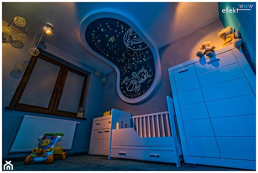 Aranżacje wnętrz - Pokój dziecka: gwiezdne niebo - efektWOW Sylwia Bieniek. Przeglądaj, dodawaj i zapisuj najlepsze zdjęcia, pomysły i inspiracje designerskie. W bazie mamy już prawie milion fotografii!