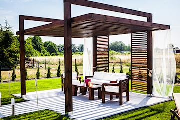 Jak skutecznie zabezpieczyć drewniane meble ogrodowe?