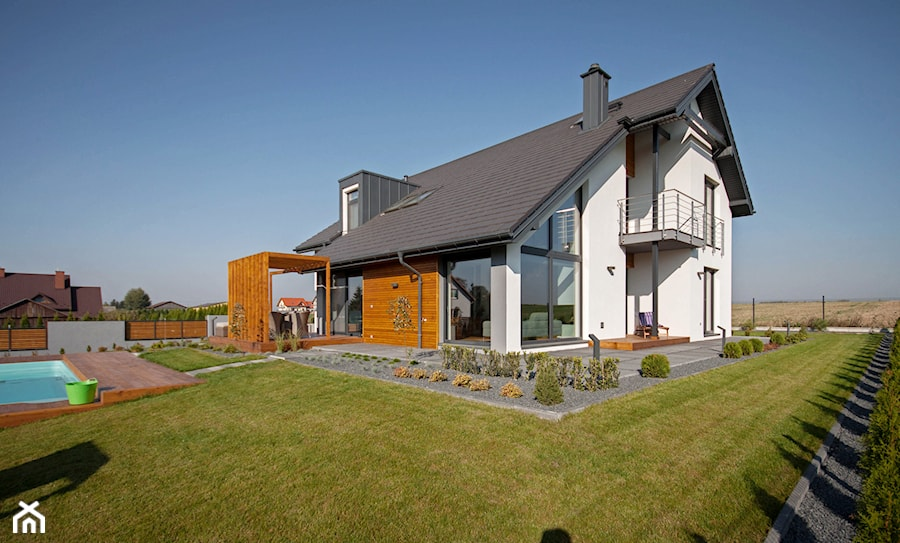 DOSKONAŁY 3 - realizacja projektu - Duże jednopiętrowe nowoczesne domy jednorodzinne murowane z dwuspadowym dachem, styl nowoczesny - zdjęcie od DOMY Z WIZJĄ - nowoczesne projekty domów