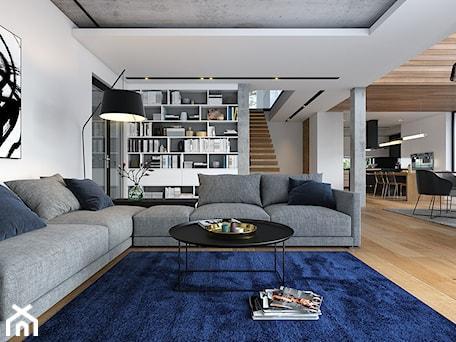 Aranżacje wnętrz - Salon: OTWARTY 1 - piętrowy dom z płaskim dachem - Salon, styl industrialny - DOMY Z WIZJĄ - nowoczesne projekty domów. Przeglądaj, dodawaj i zapisuj najlepsze zdjęcia, pomysły i inspiracje designerskie. W bazie mamy już prawie milion fotografii!