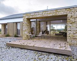 RODZINNY 2 - projekt domu z antresolą - Małe parterowe domy jednorodzinne murowane, styl skandynawski - zdjęcie od DOMY Z WIZJĄ - nowoczesne projekty domów