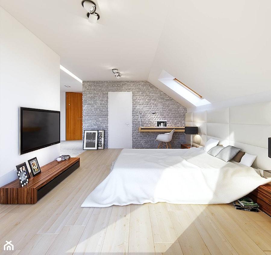 Z CHARAKTEREM 1 - nowoczesny dom z antresolą i podwójnym garażem - Duża biała szara sypialnia małżeńska na poddaszu, styl skandynawski - zdjęcie od DOMY Z WIZJĄ - nowoczesne projekty domów