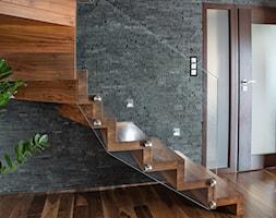 Schody drewniane Warszawa - zdjęcie od schody-dywanowe.com