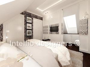 Sypialnia na poddaszu z łazienką