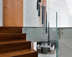 Dom na Podhalu - Schody, styl tradycyjny - zdjęcie od Intellio designers projekty wnętrz - Homebook