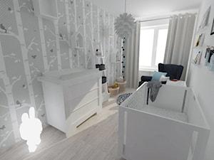 Projekt pokoju dziecięcego - Mały biały szary pokój dziecka dla chłopca dla dziewczynki dla niemowlaka dla malucha, styl nowoczesny - zdjęcie od white interior design
