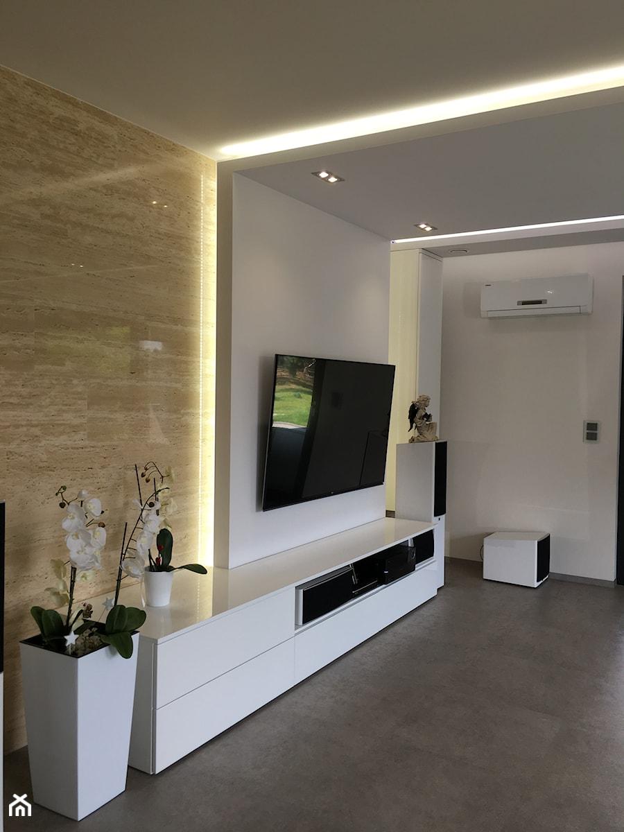 Dom w Bydgoszczy - Średni biały salon, styl nowoczesny - zdjęcie od Fabryka Wnętrz