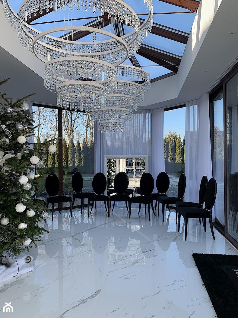 Dom pod Koninem - Jadalnia, styl klasyczny - zdjęcie od Fabryka Wnętrz - Homebook