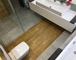 Dom w Bydgoszczy - Średnia biała łazienka bez okna, styl nowoczesny - zdjęcie od Fabryka Wnętrz