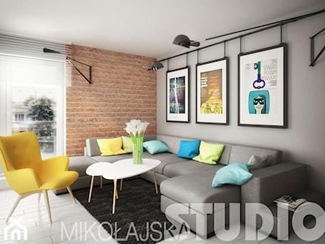 Aranżacje wnętrz - Salon: kontrastowe wnętrze - MIKOŁAJSKAstudio. Przeglądaj, dodawaj i zapisuj najlepsze zdjęcia, pomysły i inspiracje designerskie. W bazie mamy już prawie milion fotografii!