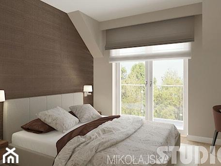 Aranżacje wnętrz - Sypialnia: Sypialnia w ciepłych brązach - MIKOŁAJSKAstudio. Przeglądaj, dodawaj i zapisuj najlepsze zdjęcia, pomysły i inspiracje designerskie. W bazie mamy już prawie milion fotografii!
