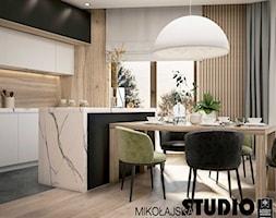 Apartament nr 333 - Średnia otwarta szara kuchnia jednorzędowa z wyspą z oknem, styl nowoczesny - zdjęcie od MIKOŁAJSKAstudio