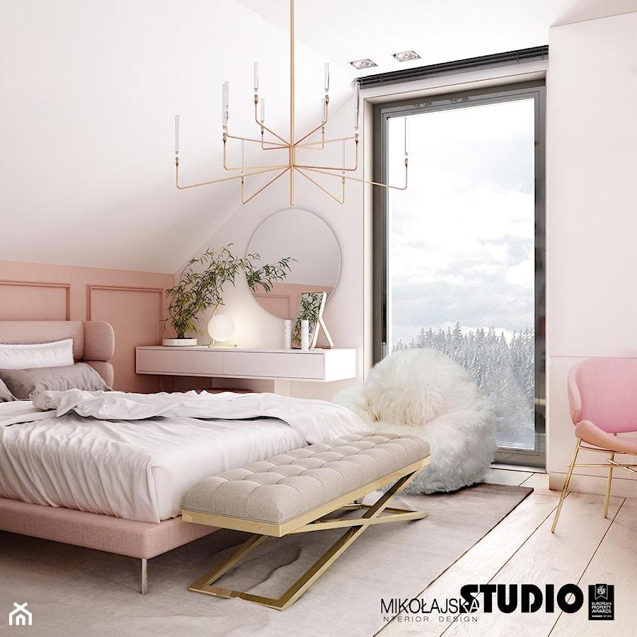 sypialnia z widokiem na góry - zdjęcie od MIKOŁAJSKAstudio