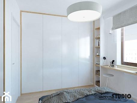 Aranżacje wnętrz - Sypialnia: funkcjonalna zabudowa w sypialni - MIKOŁAJSKAstudio. Przeglądaj, dodawaj i zapisuj najlepsze zdjęcia, pomysły i inspiracje designerskie. W bazie mamy już prawie milion fotografii!