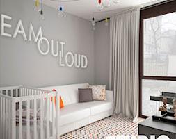 Minimalistyczny pokój dziecka - zdjęcie od MIKOŁAJSKAstudio